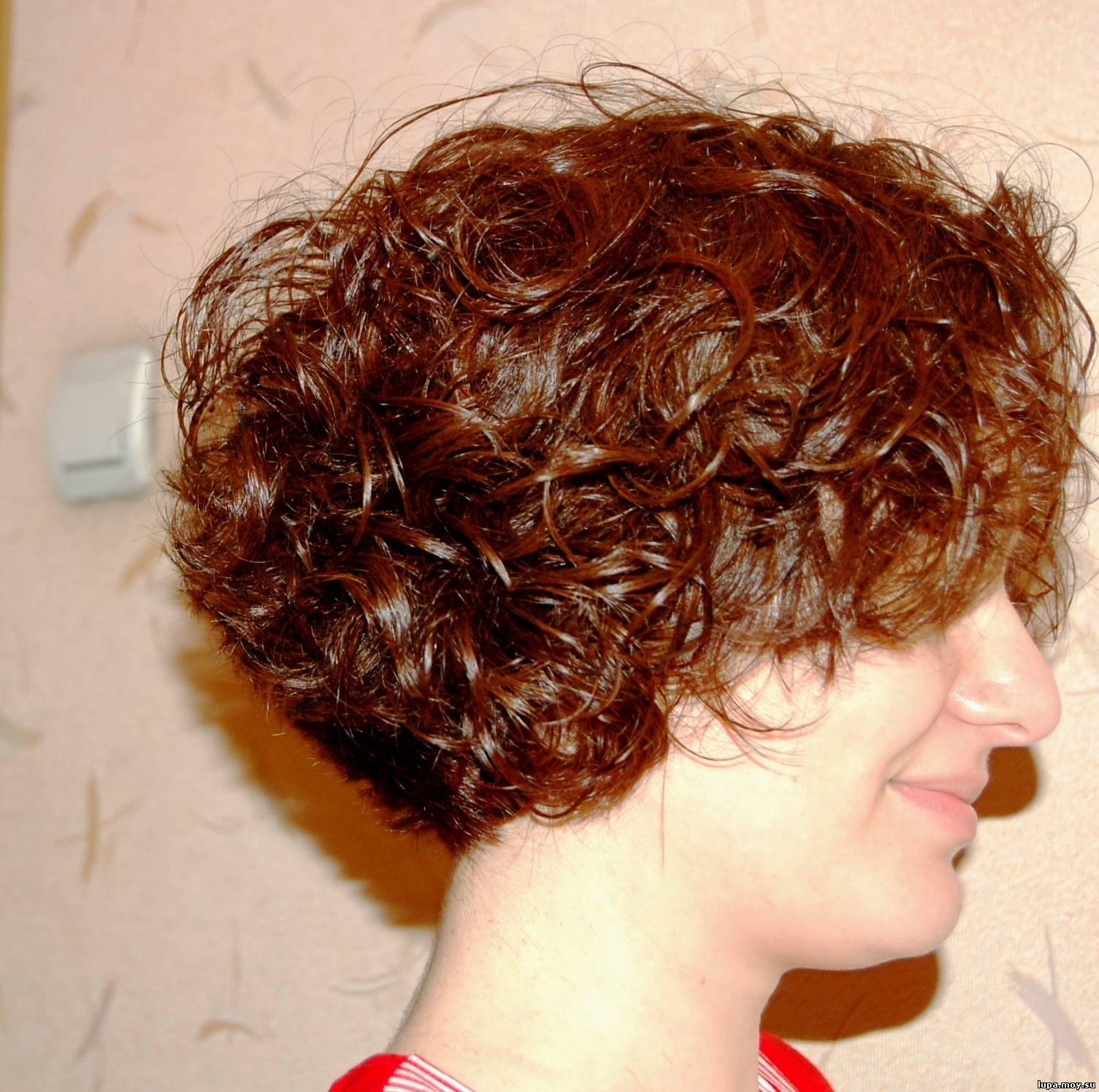 Прически на кудрявые волосы кому за 50